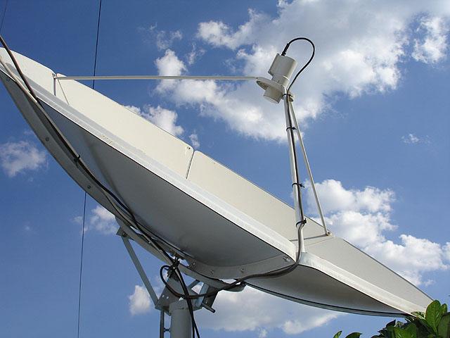 Đồ chơi và phụ kiện DVB - Page 4 Satellite_dishes1_copy